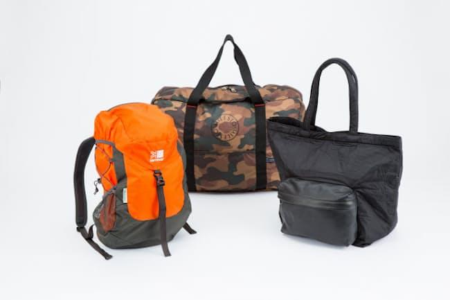 これらのバッグは小さく折り畳み収納できる。旅行や出張などの時にカバンに入れておけば荷物が増えても安心