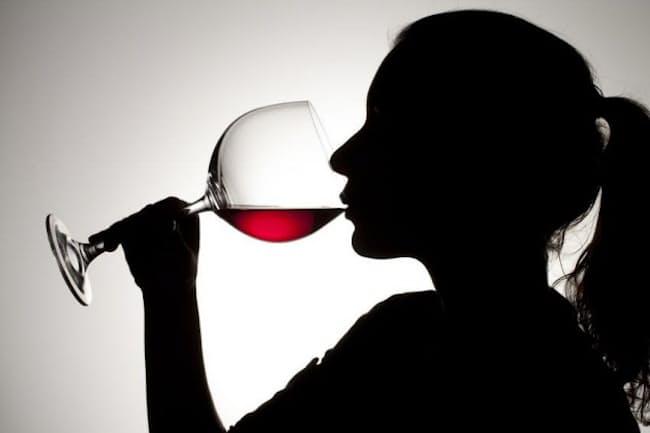 赤ワインに含まれるレスベラトロールは、寿命を延ばす働きがあるというのは本当か?(c)Danny Kosmayer 123-rf