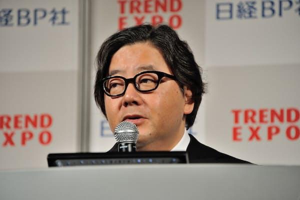 TREND EXPO TOKYO 2016の基調講演に登壇した作詞家の秋元康氏(写真:中村宏)