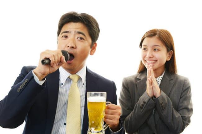 カラオケをすると、あるホルモンが減少するそう。そのホルモンって?(c)Shojiro Ishihara-123rf