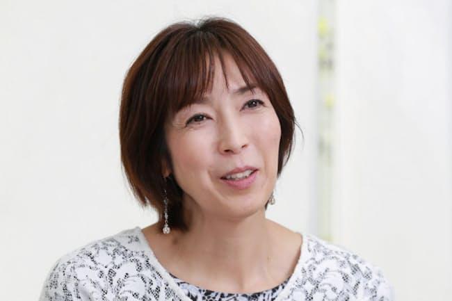 おおばやし・もとこ 1967年東京都出身。バレーボールで五輪に3回出場。引退後はテレビで活躍する。12月7~11日まで、東京都新宿区の劇場で舞台「東京のぺいん」に出演する。