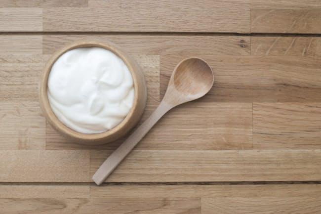 トクホのお茶や機能性表示食品などのヨーグルトも健康食品。健康食品には副作用がないと思っている人が多いようですが、実はそうではないのです(c)goldnetz-123rf