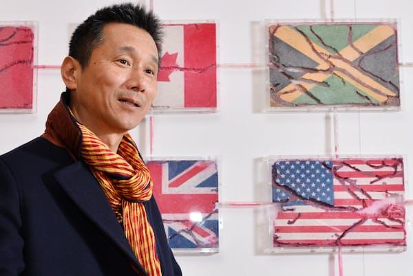 やなぎ・ゆきのり 1959年福岡県生まれ。大がかりな作品、パフォーマンスを手がけ、ベネチアビエンナーレなど多くの国際展に参加。
