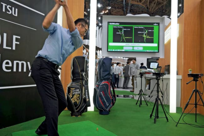 富士通は3D(3次元)センサーでゴルフスイングを計測してアドバイスするシステムを開発している