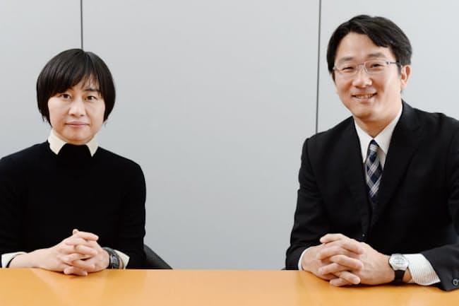 対談に臨む水無田気流さん(左)と池田心豪さん