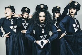 昨年10月にネット配信で発表した初のアルバム「キテレツメンタルミュージック」はオリコン週間ランキングで最高位4位。(C)ARISAK