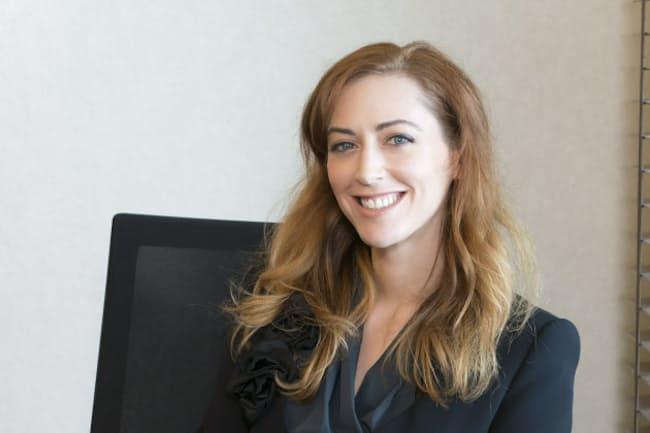 ケリー・マクゴニガル(Kelly McGonigal)。米スタンフォード大学の心理学者。専門は健康心理学。スタンフォード大学で最も優秀な教職員に贈られる「ウォルター・J・ゴアズ賞」をはじめ数々の賞を受賞。プレゼンの名手としても知られる