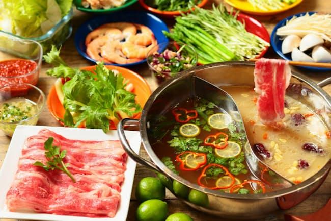 スープから具材、薬味まで好きなものを組み合わせられるアロハテーブル「ALOHA HOT POT」(1人前平均1700円、注文は1人前からでもOK)