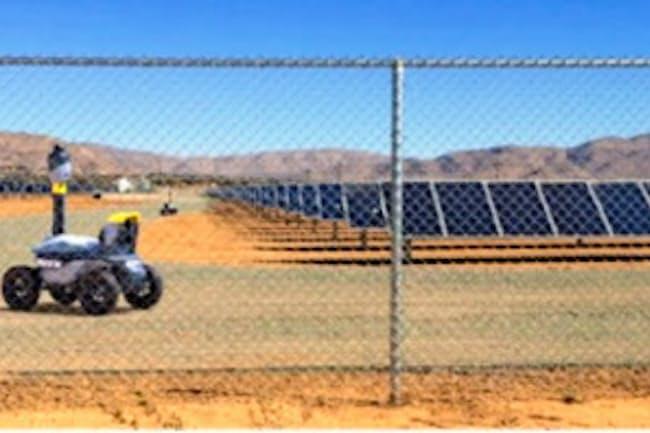 米国では太陽光発電所で、ロボットを複数使って巡回警備に使う事例もある