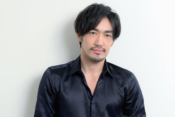 1980年10月1日生まれ。モデルとして活躍、韓国でCM出演を機に、俳優として活動。日本では16年、ドラマ『ラヴソング』に出演、『逃げるは恥だが役に立つ』でレギュラー出演。『奪い愛、冬』に出演中(写真:藤本和史)