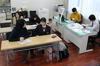 長野県の白馬高校は公営塾を併設して学力向上に取り組んでいる(長野県白馬村)