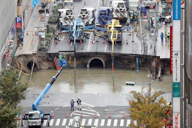 2016年11月に陥没した福岡市博多区のはかた駅前通り
