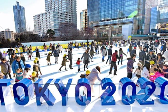 都心にオープンした屋外アイススケートリンク「三井不動産アイスリンク for TOKYO 2020」(東京都港区)