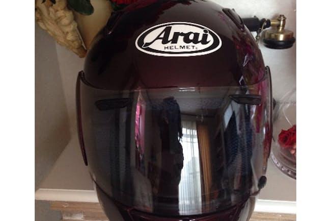 図1 筆者所有の「Arai」ヘルメット