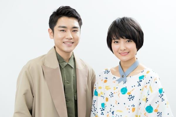映画「サバイバルファミリー」にきょうだい役で出演した泉澤さん(左)と葵さん