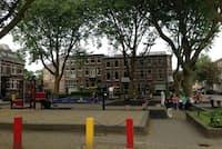 住宅街の真ん中にある公園。街中いたるところにこうした公園がある(写真:吉田和充、以下同)