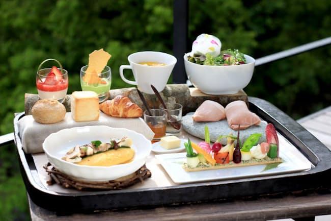 アルカナ イズの朝食「森の中のピクニック」
