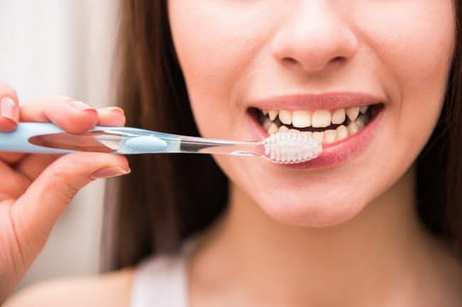 歯ブラシだけだと約40%も歯垢が残るって、知っていました?(c)Vadim Guzhva-123rf