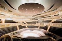 ドイツ・ハンブルクの新しいホール「エルプフィルハーモニー」の内部(写真提供=ソニーミュージック)