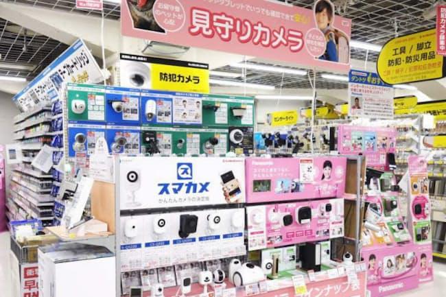 ビックカメラ新宿西口店 4階にある防犯グッズ売り場。今回上位に上がったカテゴリーのほか、シュレッダーや窓の養生シートなども置かれている