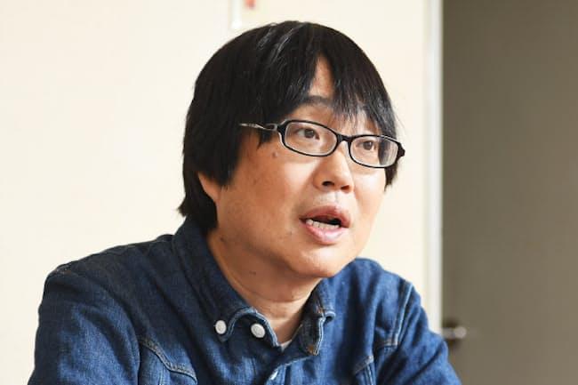 1962年兵庫県出身。神奈川県育ち。82年、劇団「善人会議」(現・扉座)の旗揚げに参加。舞台やドラマ、映画などで活躍。5月28日から舞台「俺節」(TBS赤坂ACTシアターなど)に出演予定。