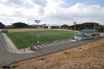 上富田スポーツセンター。サッカー場3面、野球場、テニスコートなどがある
