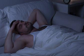 """早起きするには""""まず早く寝よう""""と考えがちですが、それはいいのでしょうか(c)Katarzyna Bialasiewicz -123rf"""