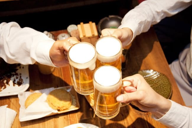 「適量の飲酒は健康にいい」は本当だろうか(c)PaylessImages -123rf