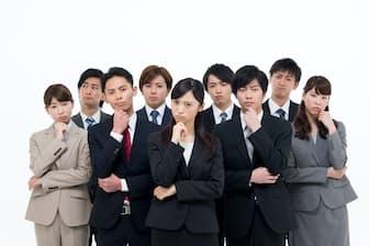 女と女性、男と男性のニュアンス差は分かりづらいところもある PIXTA