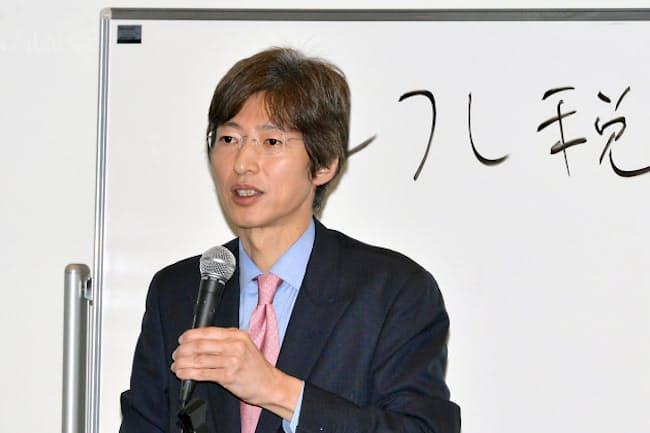 1月10日、本社スペースニオにて日経電子版読者に積立投資を語る筆者