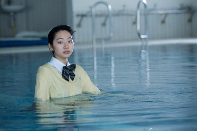 複合カフェで見ることができるVR映画『交際記念日』。主演した武田玲奈さんが語るVR映画撮影で感じた戸惑いとは?