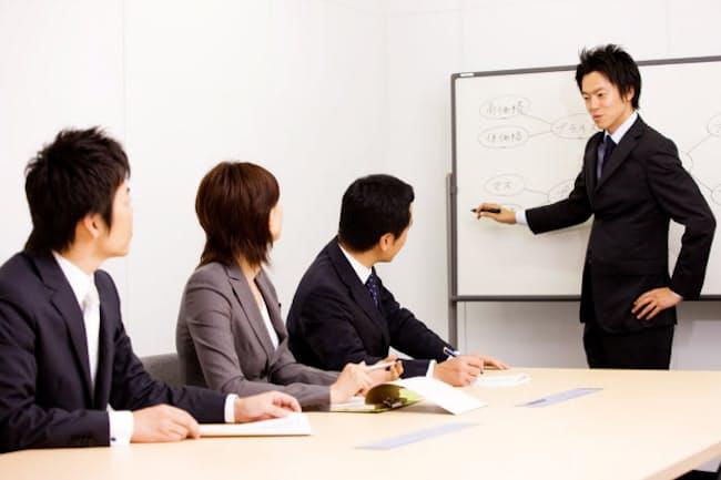 ビジネスの難局を乗り切るには、前例や常識を超える知恵が求められる PIXTA