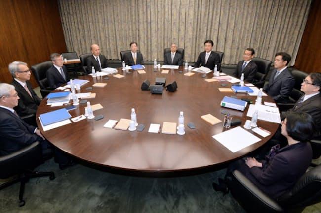 日銀金融政策決定会合ではメンバー全員が1票ずつ平等に議決権を持つ