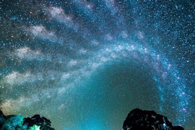 まるで「星の万華鏡」 夜空彩る天の川、美麗フォト集 ナショジオ ...
