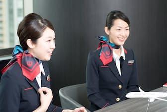 笑顔が美しい上松可奈子さん(写真左、31歳)と大屋明子さん(写真右、33歳)(写真:工藤朋子)