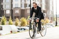 自転車通勤をする人は、車通勤や電車通勤の人に比べて死亡リスクが低下していた(C)gstockstudio-123rf