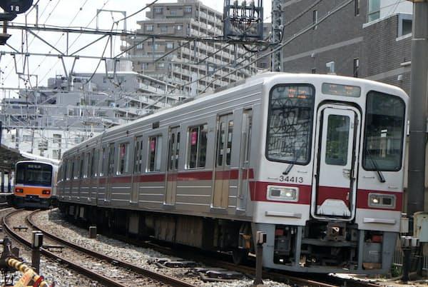 下板橋駅付近。東武東上線の起点を示すゼロキロポストは、この近くの留置線内にある。