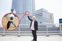 360度カメラは全天球カメラとも呼ばれ、上下左右をすべて撮影できる。この屋上で撮影した動画を記事中で紹介している
