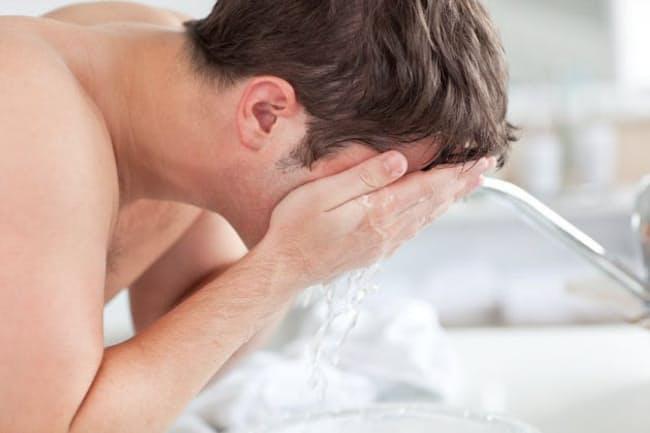 洗顔の常識は「ゴシゴシ洗わず、優しく洗う」(c)Wavebreak Media Ltd-123rf
