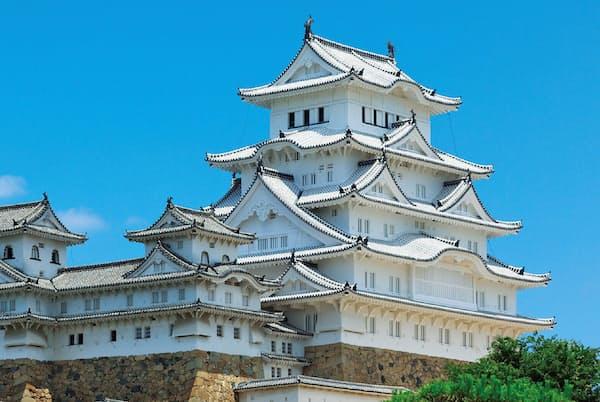 姫路城。外観は五重、内部は地下1階、地上6階の大天守