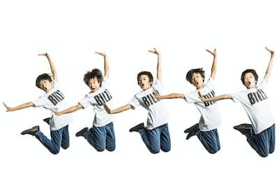 ビリーを演じるのは、左から加藤航世、木村咲哉、前田晴翔、未来和樹、山城力。7月19日にプレビュー公演が開始、7月25日~10月1日まで東京・TBS赤坂ACTシアター、10月15日~11月4日まで、大阪・梅田芸術劇場メインホールにて公演が行われる