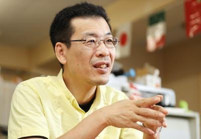 1964年東京生まれ。上智大学卒業後、短期間の出版社勤務を経て89年からコラムニストに。著書に「会社図鑑!」「何のために働くか」毎年発行の「大学図鑑!」など。最近は書籍企画も手掛ける。