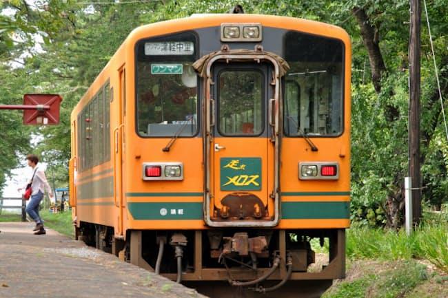 津軽鉄道「走れメロス」号(PIXTA)