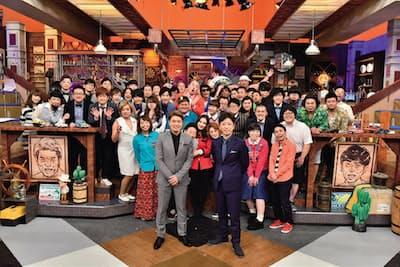 50人を超える若手芸人がゲストに芸を披露する(火曜23時59分/日本テレビ系)