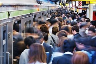 混雑する電車ではトラブルが起きやすい