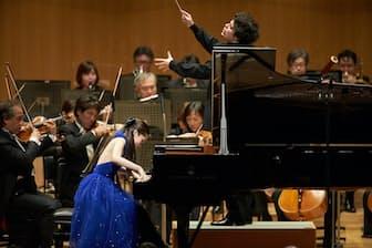 アンドレア・バッティストーニ指揮東京フィルハーモニー交響楽団と今年3月13日、東京オペラシティコンサートホールで共演した松田華音(撮影=上野隆文)