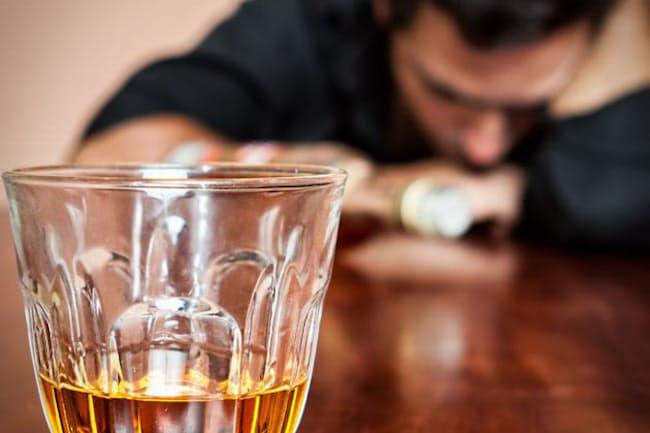 酒量が増えているのに、節制できずに悩んでいる左党も少なくないのでは(c)Karel Miragaya -123rf