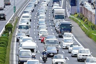 お盆期間は高速道路の渋滞が集中する