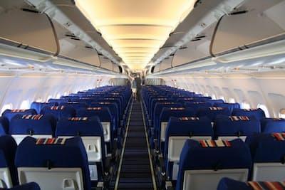 飛行機のエコノミークラスに乗った人だけに発症するわけではないので、最近は「ロングフライト症候群」と呼ばれている(C)fred goldstein 123-rf