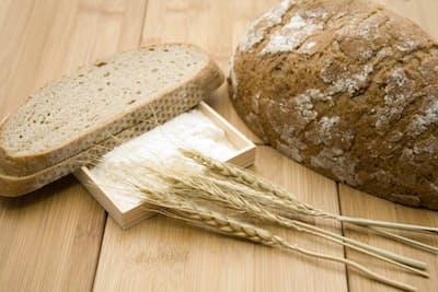グルテンは、小麦などの穀物に含まれるたんぱく質(C) Uwe Mayer-123rf